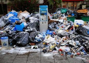 كيف أعاد عمال جمع الخردة المعدنية إحياء أزمة النفايات في لبنان؟