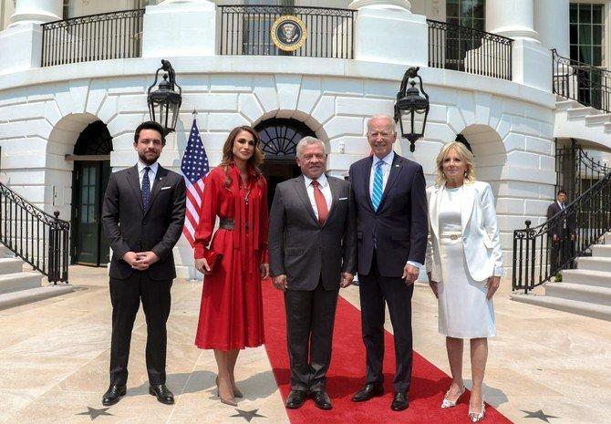 العاهل الأردني الملك عبد الله وزوجته الملكة رانيا وولي العهد الأمير حسين بن عبد الله الثاني والرئيس الأمريكي جو بايدن وجيل بايدن
