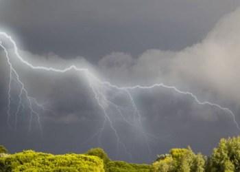 تحذيرات من هبوب عاصفة بسبب سوء الأحوال الجوية في أوكرانيا