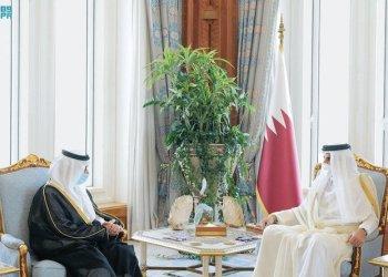 المبعوث السعودي يقدم أوراق اعتماده لأمير قطر
