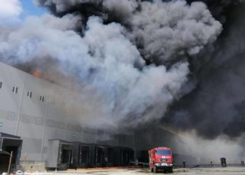 حريق كبير في مستودعات بالقرب من أوديسا