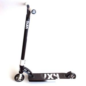 Madd Gear Pro VX4 Nitro Scooter - Black/White