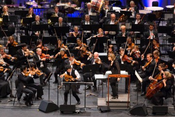 Jake Shimabukuro performing with the Hawaii Symphony Orchestra