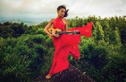 Ukulele-Star-Taimane Gardner © Shaun Edward.jpg