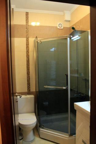 Hotel-ulpiana-bathroom-single-room