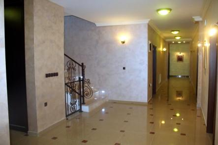 hotel-ulpiana-gracanica-pristina-hallway-stairway-enterier