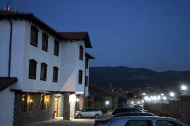 hotel-ulpiana-parking-space