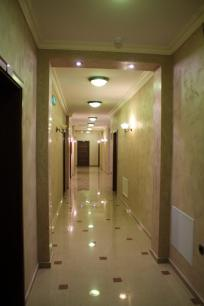 ulpiana-hotel-gracanica-hallway