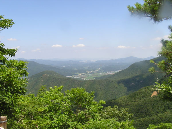 The view towards Ulsan from Gajisan. Munsu Mt is the small peak in the distance on the right