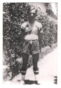 Acredite: este é João Cabral de Melo Neto nas categorias de base do Santa Cruz, em 1935