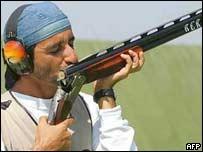 Ahmed começou a praticar tiro apenas por curiosidade