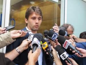 Paulo André, como fazer para os times pequenos não dependerem dos jogos contra os grandes?