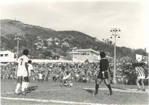 Em toda sua carreira, Pelé disputou cinco jogos em Santa Catarina