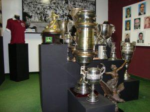 Alguns troféus em exposição no museu