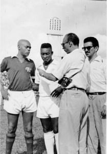 A Ferroviária desafiando o Santos de Pelé nos anos 1960