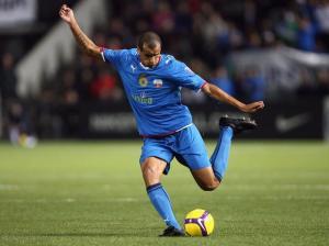 Quando Rivaldo ainda podia jogar muita bola em grandes centros, ficou dois anos no Uzbequistão