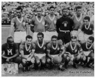 10 de Abril de 1949 - Sul-Americano - Brasil 10 x 1 Bolívia Em pé: Ruy, Augusto, Mauro Ramos, Barbosa, Bauer e Noronha; Agachados: Mário Américo (massagista), Cláudio Pinho, Zizinho, Nininho, jair Rosa Pinto e Simão.
