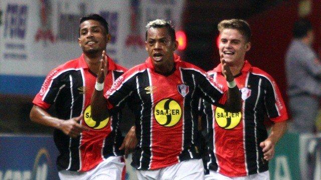 Paraíba fez gol e deu assistência contra o Cruzeiro
