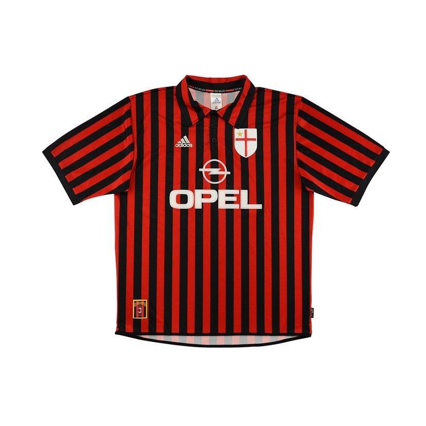 Milan (camisa titular, da temporada 1999/2000): 399,99 libras (R$ 2621,41)