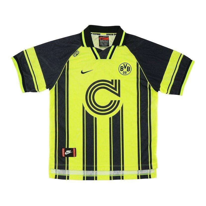 Borussia Dortmund (camisa titular, da temporada 1996/1997): 299,99 libras (R$ 1966,04)