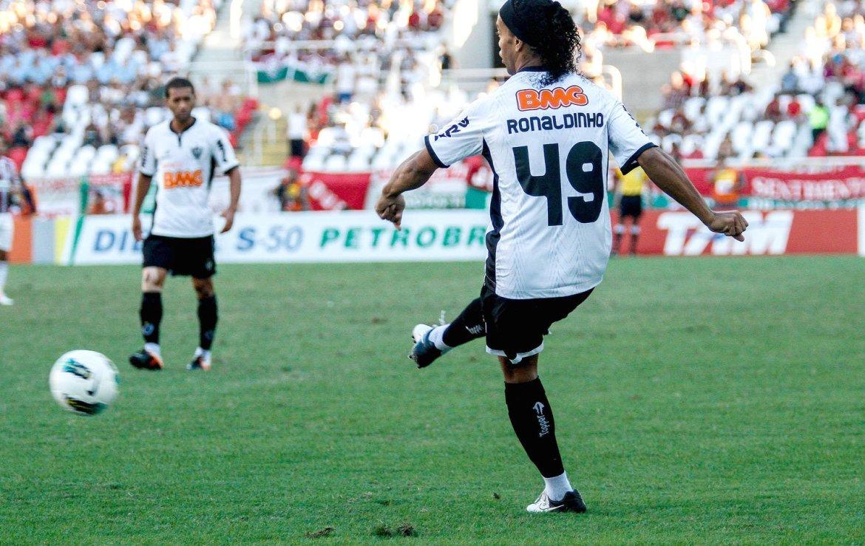 Ronaldinhogaucho Atleticomg Rudytrindade Frame Ae2