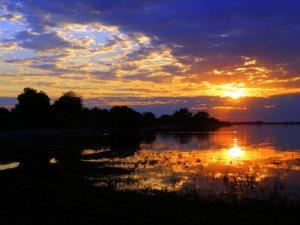 africa4 tramonto su fiume