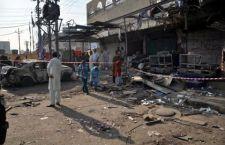 Kamikaze pakistano lancia auto imbottita di tritolo contro bus della polizia. 36 morti e oltre 40 feriti