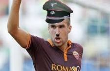 La Roma segnala pagina Facebook di chiari contenuti nazisti dedicata al suo calciatore Kevin Strootmann