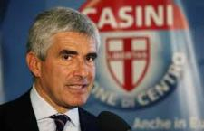 """Pier Ferdinando Casini dice addio al """"centro"""". Non ci crede più, dopo sei anni di fallimenti: vince il bipolarismo estremo."""