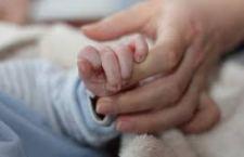 Il Belgio estende la pratica dell'eutanasia anche ai minori. E' il primo paese al mondo a prendere la decisione