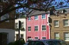 Londra: è guerra a Kensington & Chelsea per la facciata della casa a strisce bianche e rosse