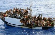 Altri cinque barconi in arrivo, mentre resta l'orrore per i 12 migranti gettati a mare