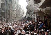 2000 rifugiati palestinesi sono riusciti a fuggire, ma altri 16mila rischiano ancora la vita a sud di Damasco
