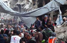 Solo 2000 sfuggono all'inferno di Damasco. Video dell'Isis sulla presa del campo profughi