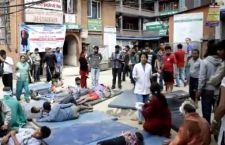 Terremoto Nepal: l'unica soluzione è la fuga da Katmandu, dove ci sono le prime proteste. Mancano 3 italiani