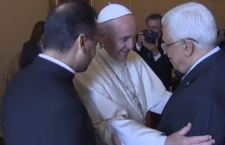 Papa Francesco canonizza due suore della Palestina alla presenza di Abbas