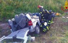4 morti, 4 feriti gravissimi su pulmino contro guard rail