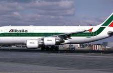 Aereo Alitalia bloccato a New York per allarme bomba