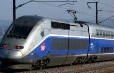 Francia: treno prende in pieno auto sui binari . Tre morti