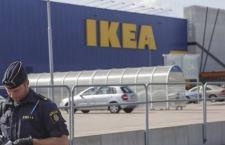 Svezia: aggrediti tre clienti Ikea. Due morti. L'autore arrestato. Ignoti i motivi del gesto