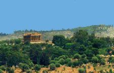 """Ad Agrigento si abbattono le case abusive ricordando un'ordinanza del '98 per esaltare il """"cammino umano"""" mentre a Palmyra l'Isis si illude di cancellare la Storia"""