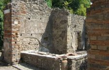 Nuovo crollo a Pompei. Cede muretto dell'Osteria di Demetrio