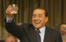 Nuovi guai ucraini per Berlusconi e Putin. Rischiano incriminazione per aver stappato una bottiglia del 1775