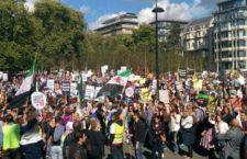 Londra in piazza per sostenere i rifugiati e chiedere al Governo di essere più accogliente