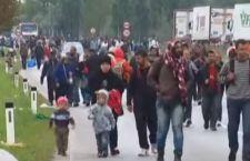 Migranti: mentre l'Europa è divisa, nuova ondata di rifugiati attraversa Ungheria e Austria