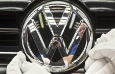 Volkswagen: cambio ai vertici. La Svizzera blocca le vendite. Inchiesta in Italia