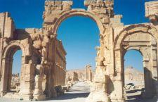Siria: Isis distrugge anche l'arco di trionfo di Palmyra