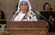 Papa Francesco riconosce un secondo miracolo di Madre Teresa di Calcutta. Presto Santa