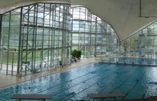 Germania: piscina vietata a rifugiati maschi dopo le molestie alle donne