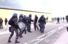 Migranti: scontri al Brennero
